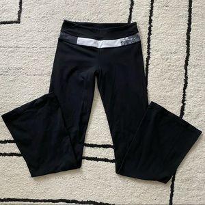 LULULEMON Black White Patterned Groove Pants